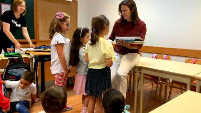 Entrega dos manuais escolares | apoio aos estudantes da Ponta do Sol