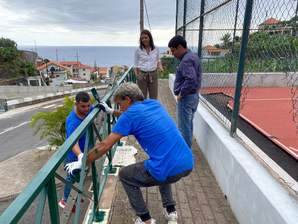 Obras em curso no polidesportivo da Madalena do Mar