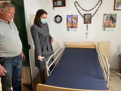 Uma cama articulada para um conforto e apoio diário | apoio social